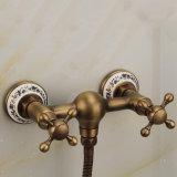 Законченный Antique крана ливня воды ванны ванной комнаты FLG установленный