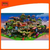Cour de jeu d'intérieur de thème d'île d'imagination de Mich