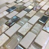 熱い販売のガラスおよび大理石は、殻から取り出す混合されたモザイク・タイル(15*30mm)を
