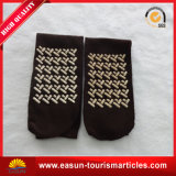 Flugzeug-Socken ein Zeit-Gebrauch trifft Fluglinien-Wegwerfsocken hart