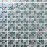O mosaico de vidro do cristal do mosaico muitos colore a piscina