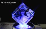 Cubo inciso laser su ordinazione di cristallo K9 di Desig 3D