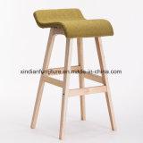 다방을%s 유행 디자인 나무로 되는 북유럽 의자 또는 식사하거나 로비