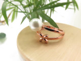 新しいデザインローズのゴールド・トーンの培養された自然な淡水の白い真珠の女性の宝石類のリング