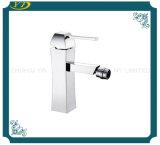 Type de levage robinet élevé à levier unique de laiton de qualité de type de mode de bassin
