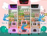 La macchina pazzesca del gioco della gru del giocattolo 3 gioca la macchina del gioco della galleria