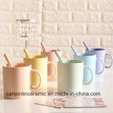 Caneca de café cerâmica da cor clássica de Matt da forma da lata