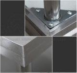 Tabela da fundição de aço inoxidável com a prateleira aberta da grade