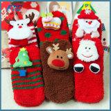 Peúgas do algodão dos desenhos animados do Natal com as caixas de presente requintados