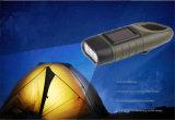 La torche opérée à la manivelle campante extérieure allume la lampe-torche rechargeable solaire de DEL