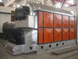 Chaudière à vapeur en bloc avec du charbon d'Assemblied allumé