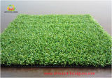 Relvado sintético profissional da grama do verde do golfe e de colocação