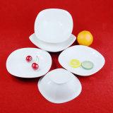 Articoli per la tavola di ceramica di figura della squadra a triangolo di pranzo della porcellana fine