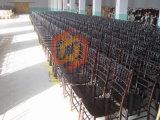 Silla al aire libre china de los acontecimientos de Chiavari de madera sólida de la langosta del color de plata