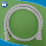 Tubo flessibile flessibile bianco personalizzato del tubo dell'acquazzone della stanza da bagno di rinforzo PVC di alta qualità