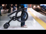 Vélo de cycle de bébé de fille