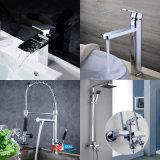 浴室の滝の真鍮の洗面所の洗面器の台所浴槽水シャワーの蛇口