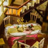 Casa de muñecas de madera con muebles de juguete