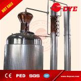 distillatori del whisky 5000L con la testa del whisky e la colonna di riflusso, strumentazione di spogliatura di distillazione