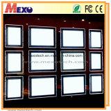 La finestra a sospensione a soffitto a doppia faccia mostra le tasche magnetiche a LED