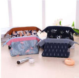 韓国様式初めのデザイン大容量記憶装置袋花ファブリック鉄骨フレームの化粧品袋