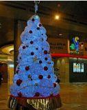 飾られた木のモチーフライト