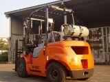 3500kgガスLPGのペーパーロールクランプが付いている二重燃料のフォークリフト