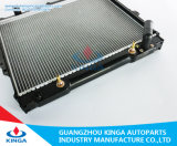 Radiatore caldo dell'automobile di vendita per Mitsubishi Pajero V24With2.5D 93-98 a