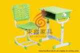 熱いSale Plastic TableおよびMetalのChair