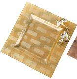 Cassetto di vetro di colore con la decorazione