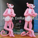 Grande personagem de banda desenhada cor-de-rosa inflável vívido da pantera