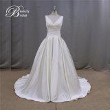 Reizend stilvolles einfaches Satin-Hochzeits-Kleid für Braut