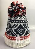 Женщин OEM конструкция ручной вязки POM POM Red Hat Beanie зимой