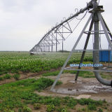 Centro de sistema de riego de pivote Granja