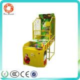 Mickey caçoa máquina de jogo a fichas do basquetebol para o centro de jogo interno do divertimento das crianças