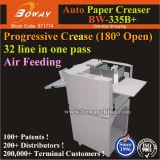Abierto de 180 grados hacia atrás Layflat cuadrado de papel de libro de la máquina de plegado automático de alimentación de aire Creaser progresivo