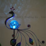 La forme d'éclairage solaire Iron-Art Peacock