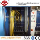 ガラス装飾のサンドブラスト機械