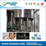 Le plastique de l'eau de qualité met la machine en bouteille de remplissage
