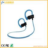 Radio en los auriculares sin hilos populares de Bluetooth del deporte de los auriculares del oído