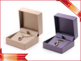 Doos van de Verpakking van de Juwelen van de Tegenhanger van de Ring van de Kleur van de Doos van de Juwelen van Pu de Metaal
