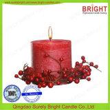 Erstklassige Pfosten-Kerze mit Dekoration draußen