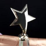 スポーツ・イベントの水晶トロフィおよび賞のカスタムフットボールのゴルフテニスのロゴの優勝杯のトロフィの記念品