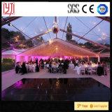 Plage avec la tente claire à l'intérieur de la tente romantique d'écran de mariage de tente avec le revêtement en PVC Transparent