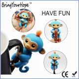 행복한 작은 물고기가 Monkeys 장난감이 대화식 핑거에 의하여 농담을 한다 (XH-FL-001)