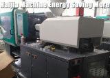 Machine de moulage injection pour des préformes