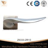 De Handvatten van de Hefboom van Zamac van de Hardware van de Deur van Enrty met Kristal (z6333-zr13)