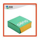 Сложить документ подарочной упаковки коробки или картона отображения окна для домашних хозяйств