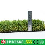 Dekorativer grüner künstlicher Rasen für Garten