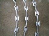 競争価格Bt0-22によって電流を通されるかみそりの有刺鉄線